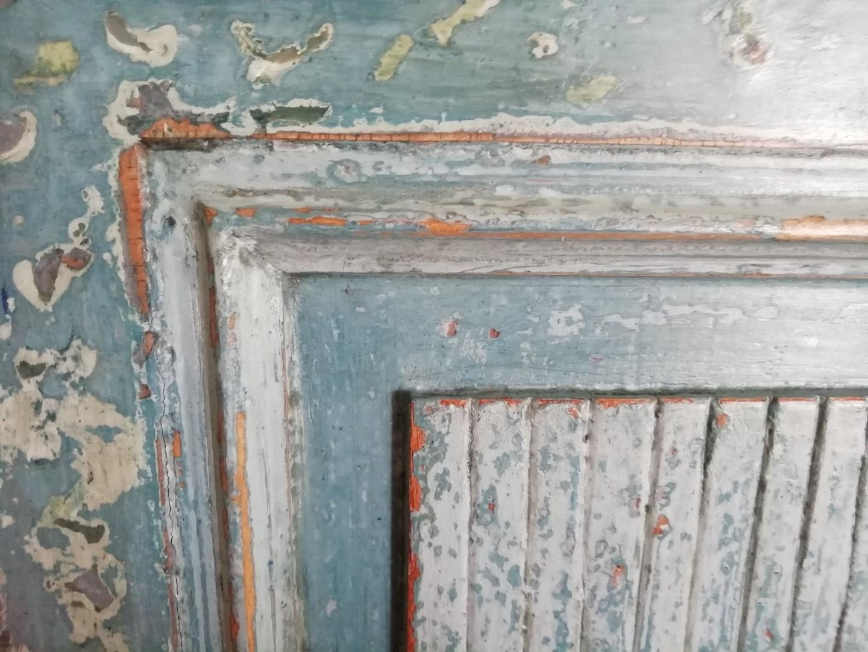 Peintures naturelles – Caséïne – Colle de peau de lapin – Gomme laque – Huiles végétales – Tempera – Pigments et terres naturelles – Patine – Motifs peints