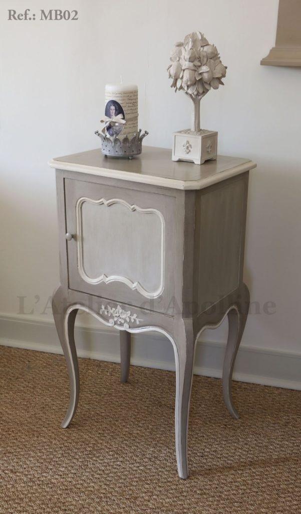 Artisan peintre décoratrice, peintre sur meubles en bois